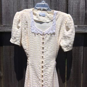 Gingham and lace. Romantic 1980s vintage dress